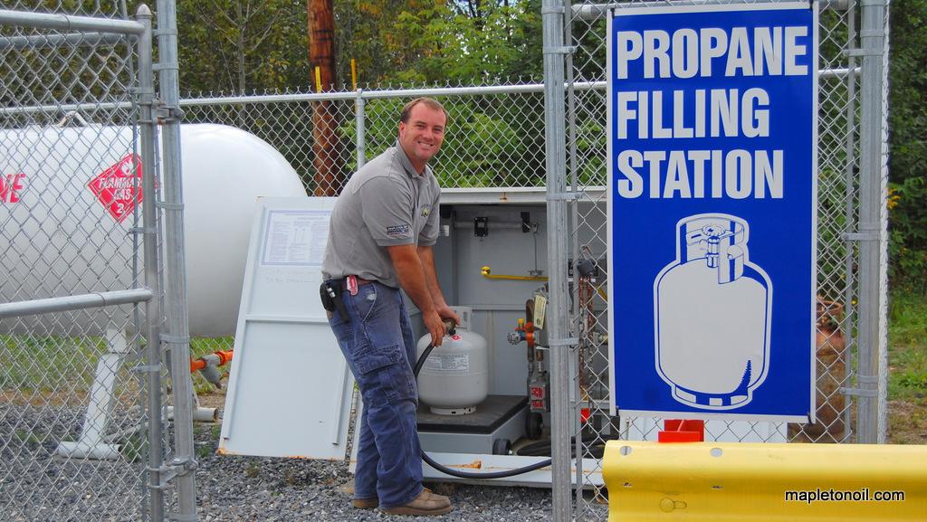Mapleton Oil propane filling station